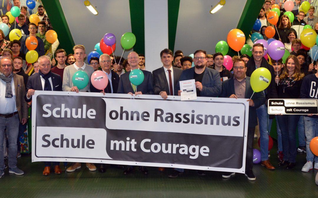 """Gemeinsam können wir viel erreichen: BBS I Technik als """"Schule ohne Rassismus – Schule mit Courage"""" ausgezeichnet"""