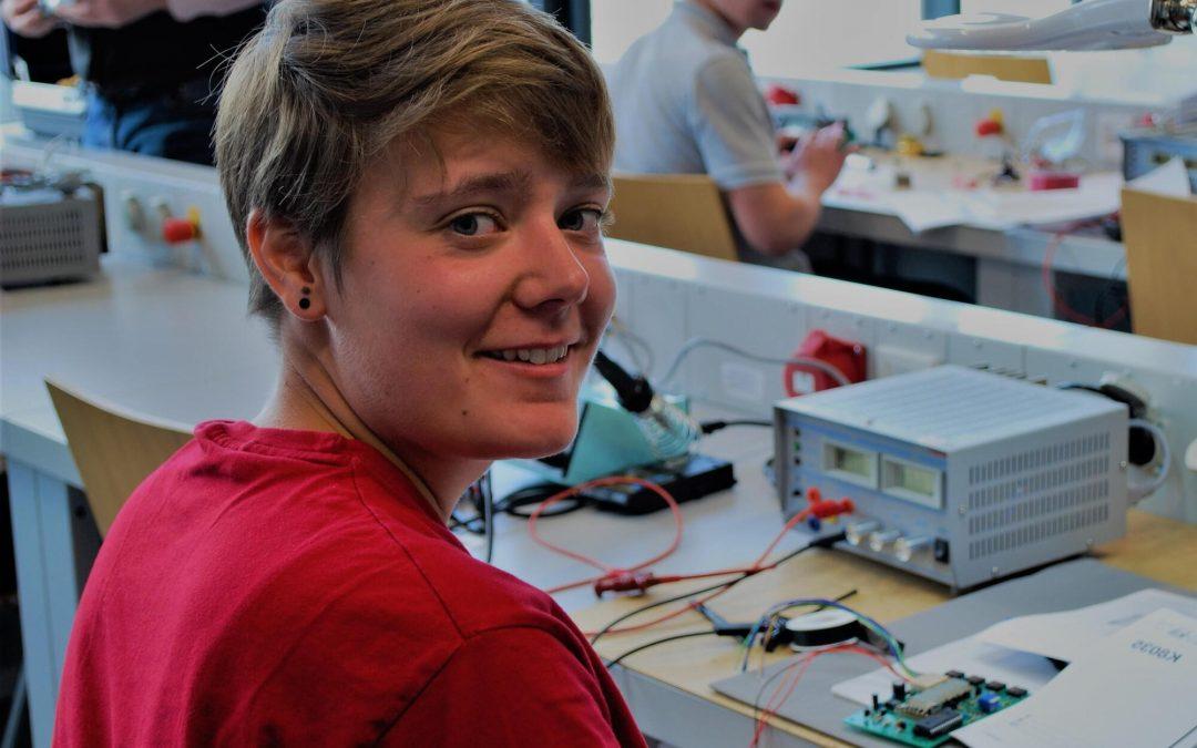 Ehemalige Schülerin unserer Berufsschule für Informationselektronik ist  Bundessiegerin beim Leistungswettbewerb des Deutschen Handwerks